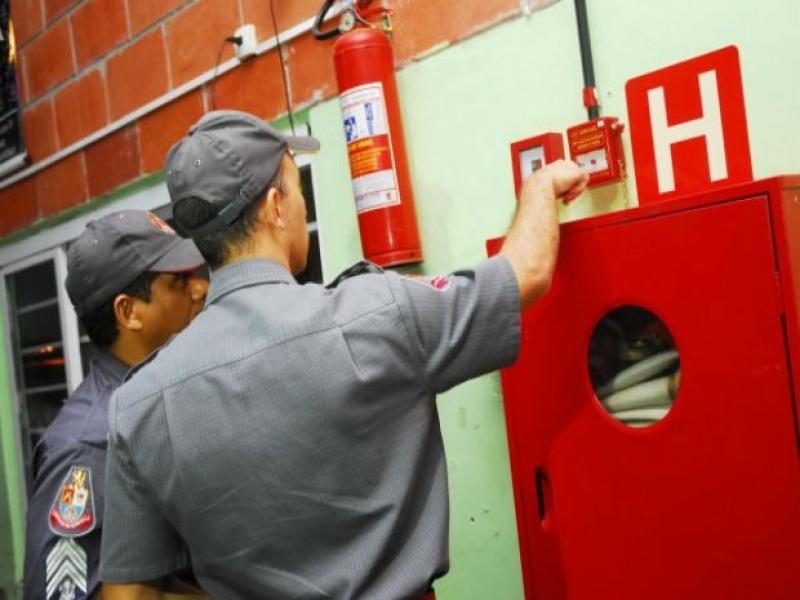 Comprar Extintor de Incêndio Preço no Campo Limpo - Comprar Extintor de Incêndio